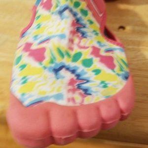 Newtz Shoes - Girls Size 11/12 multi-color water shoe